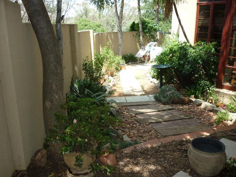 Property For Sale in Magaliessig, Sandton 14