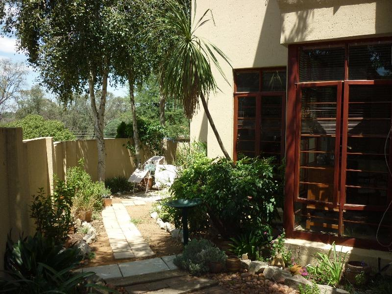 Property For Sale in Magaliessig, Sandton 17