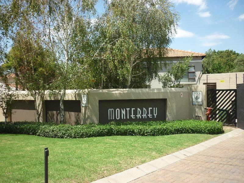 Property For Sale in Magaliessig, Sandton 20