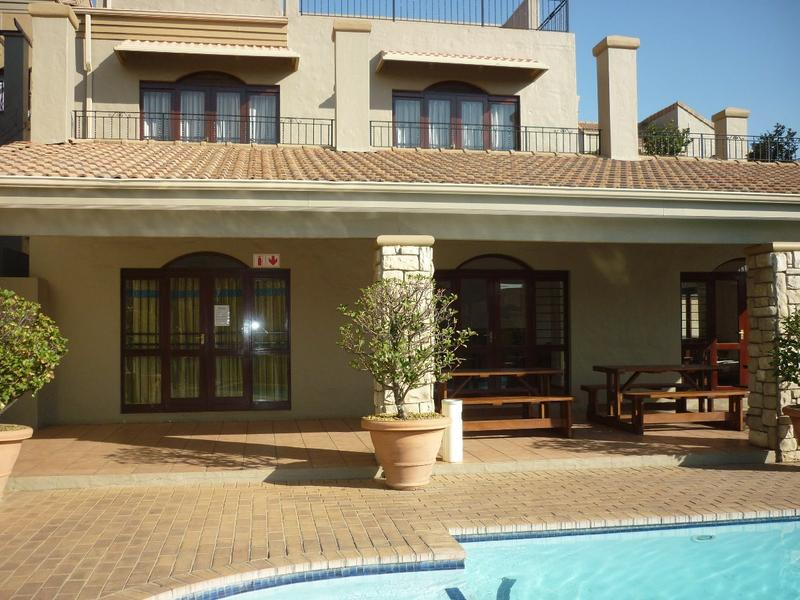 Property For Sale in Lonehill, Sandton 13