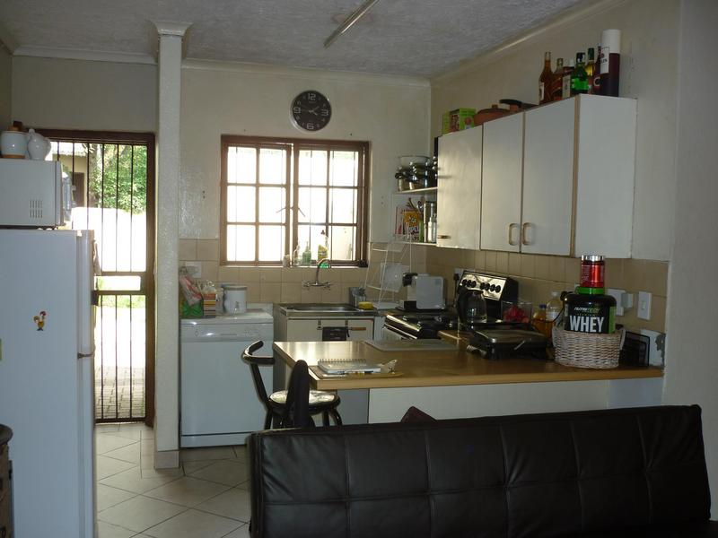 Property For Sale in Paulshof, Sandton 7