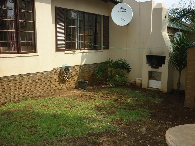 Property For Sale in Paulshof, Sandton 13