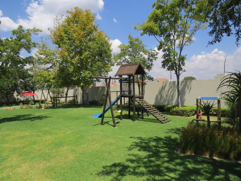 Property For Sale in Fourways, Sandton 12