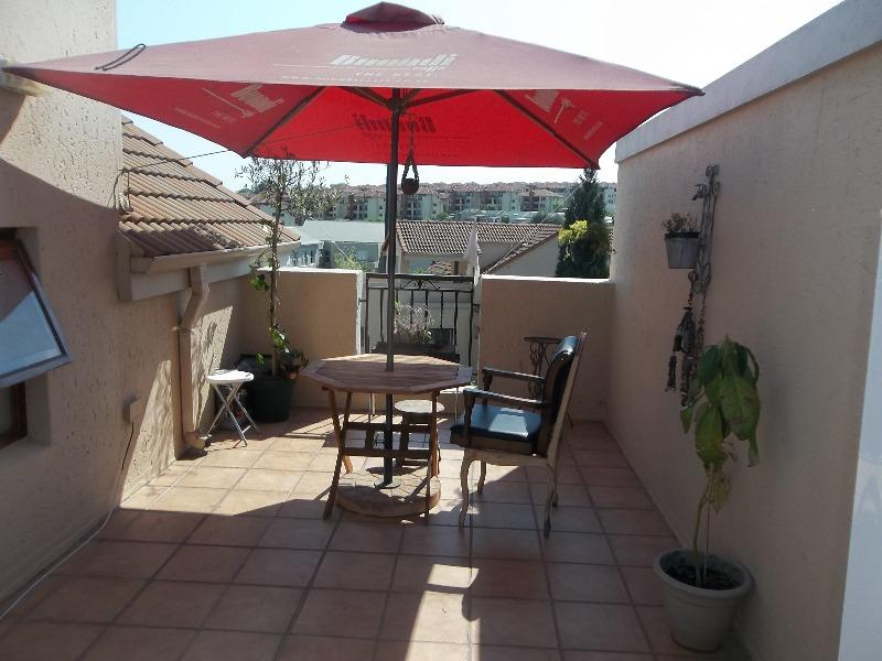 Property For Sale in Paulshof, Sandton 12