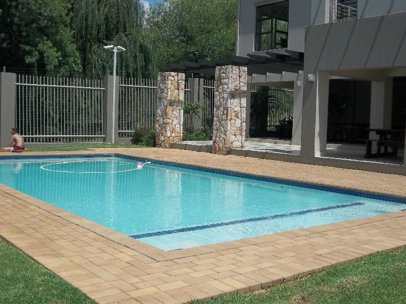 Property For Sale in Paulshof, Sandton 14