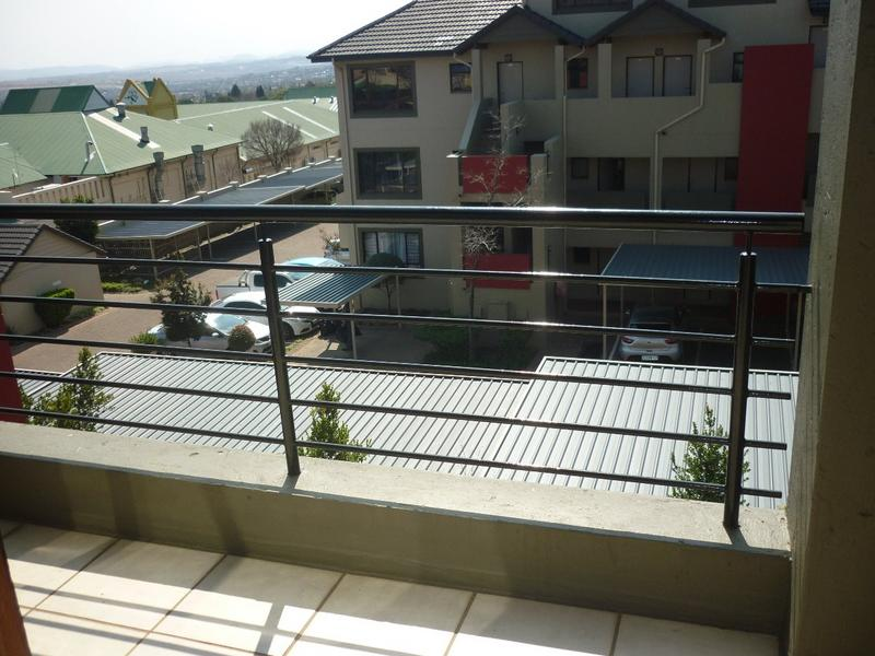 Property For Sale in Lonehill, Sandton 5