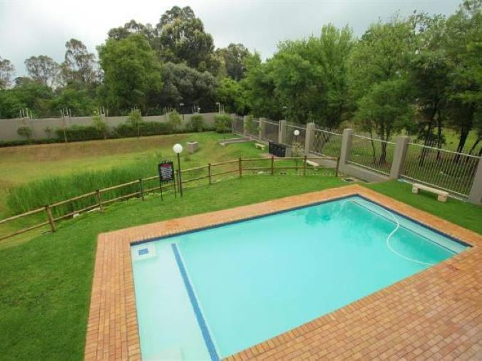 Property For Sale in Paulshof, Sandton 16
