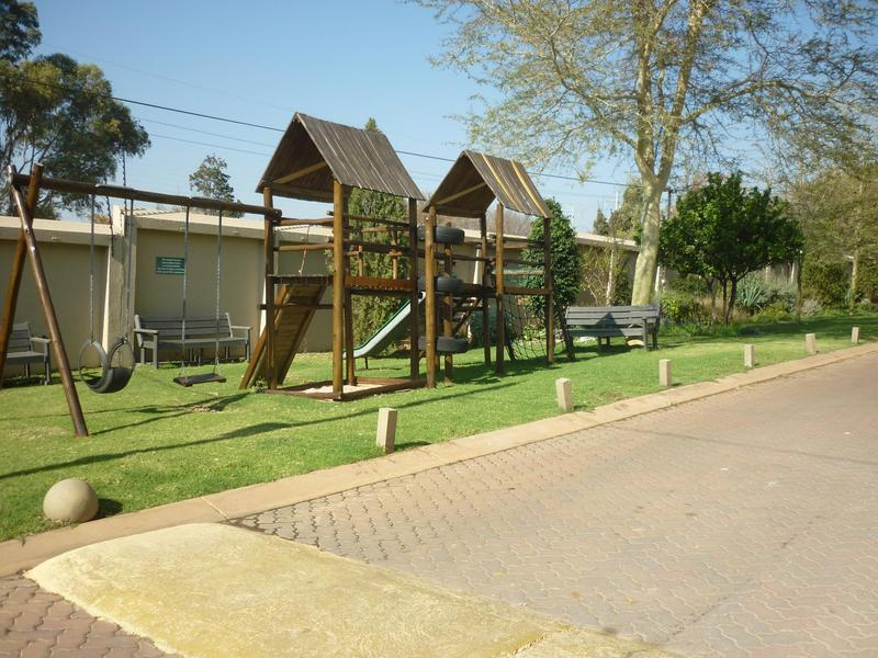 Property For Sale in Magaliessig, Sandton 19