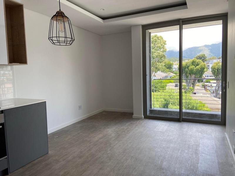 Property For Rent in Kenilworth, Cape Town 3