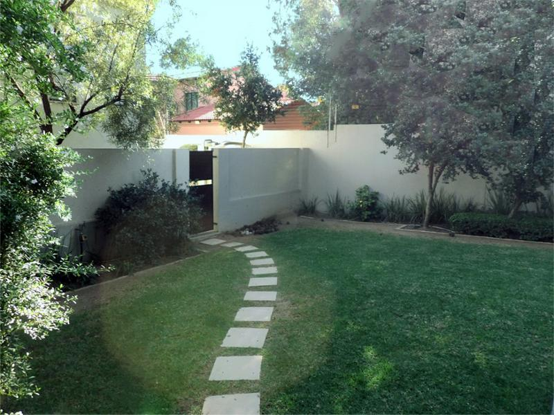 Property For Sale in Beverley, Sandton 11