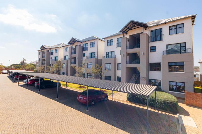 Property For Sale in Wilgeheuwel, Roodepoort 12