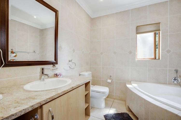 Property For Sale in Bryanston, Sandton 11