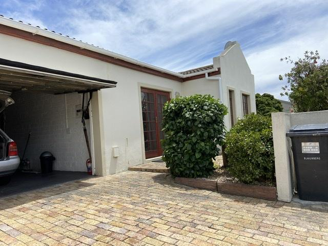 Property For Rent in Parklands, Cape Town 2