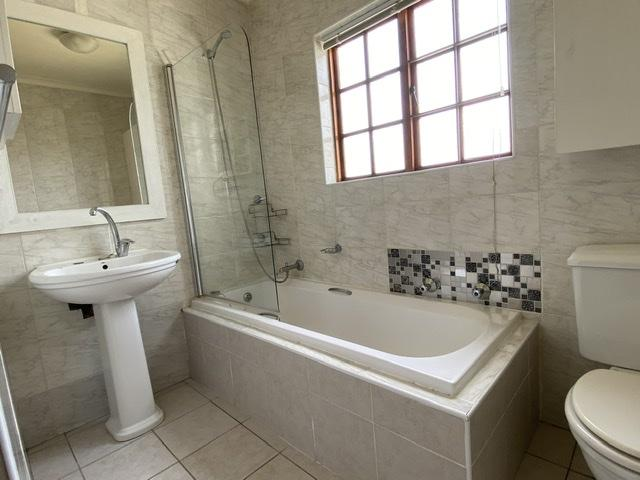 Property For Rent in Parklands, Cape Town 21