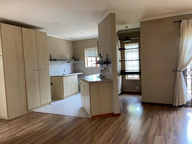 Property For Rent in Parklands, Cape Town 13