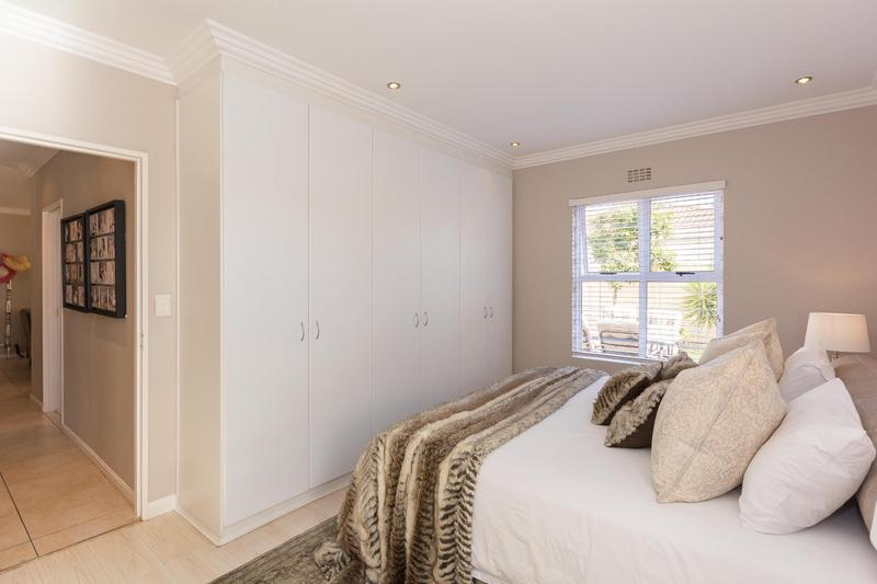 Property For Sale in Sunningdale, Cape Town 3