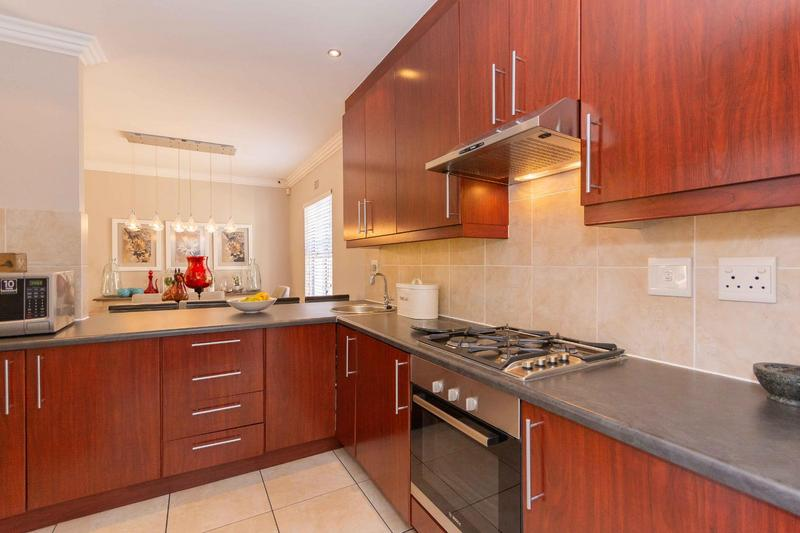 Property For Sale in Sunningdale, Cape Town 32