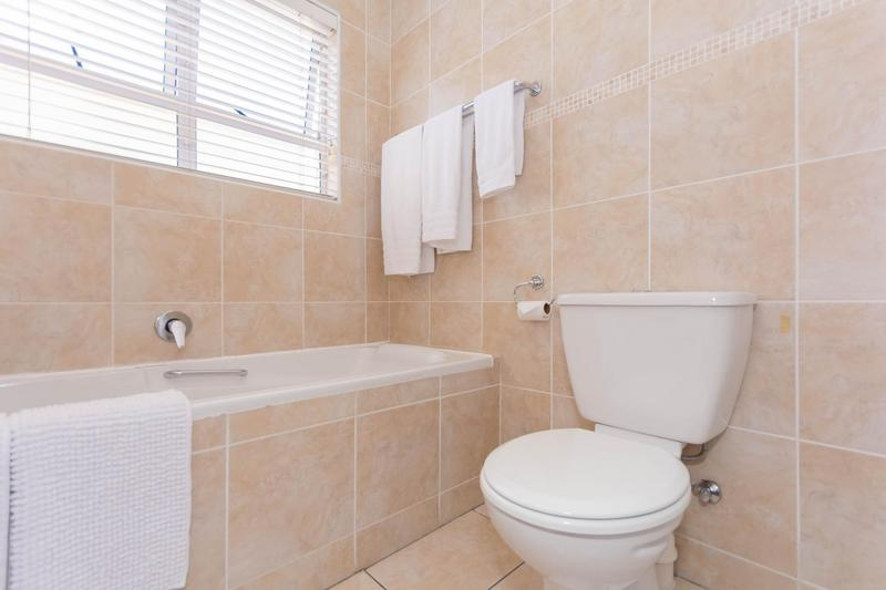 Property For Sale in Sunningdale, Cape Town 14