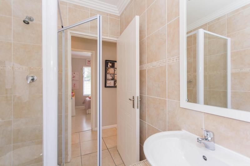 Property For Sale in Sunningdale, Cape Town 5