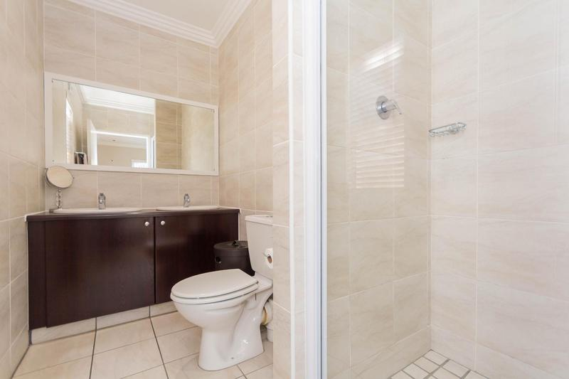 Property For Sale in Sunningdale, Cape Town 6