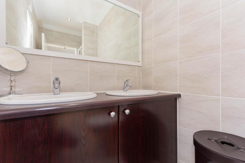 Property For Sale in Sunningdale, Cape Town 7