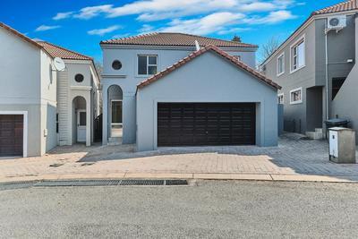 Property For Rent in Dainfern Golf Estate, Dainfern