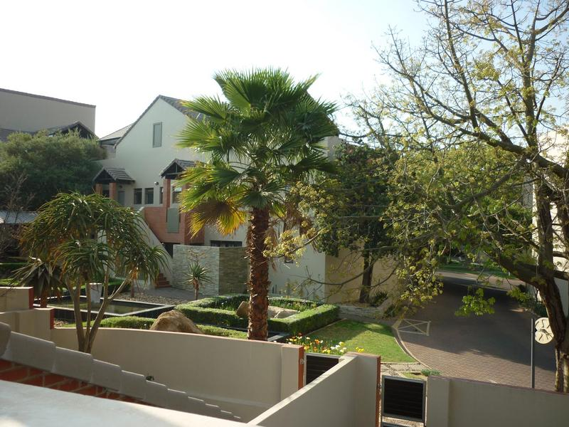 Apartment / Flat For Sale in Lonehill, Sandton