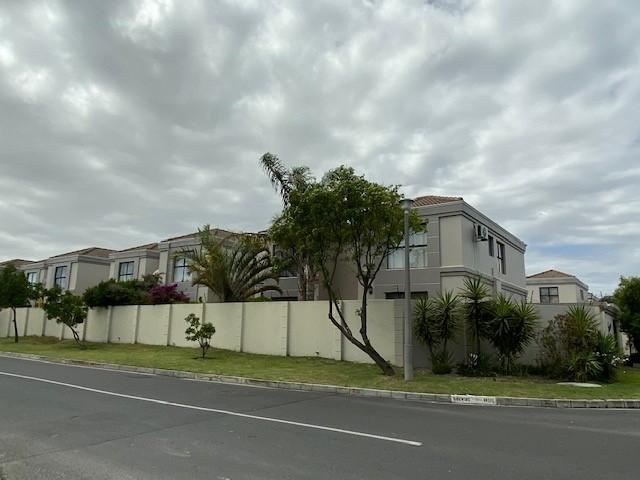 Duplex For Sale in Parklands, Cape Town