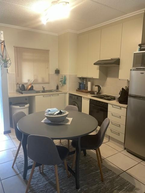 Apartment / Flat For Sale in Bryanston, Sandton