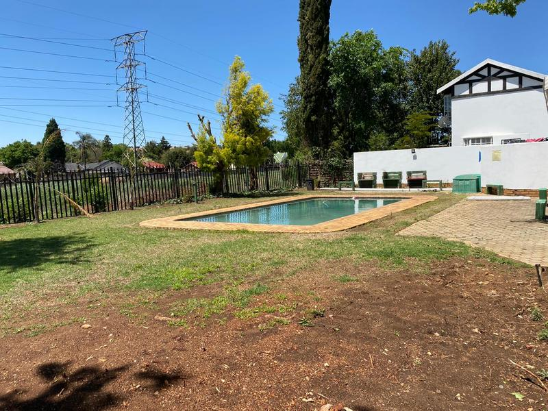 Apartment / Flat For Rent in Wilgeheuwel, Roodepoort
